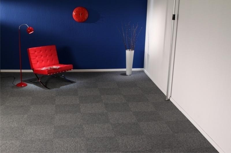 Carpete em Placas Astral MB - Instalado